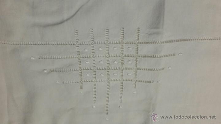 Antigüedades: Antigua sábana de lino bordada francés. 240x300 - Foto 7 - 52967585