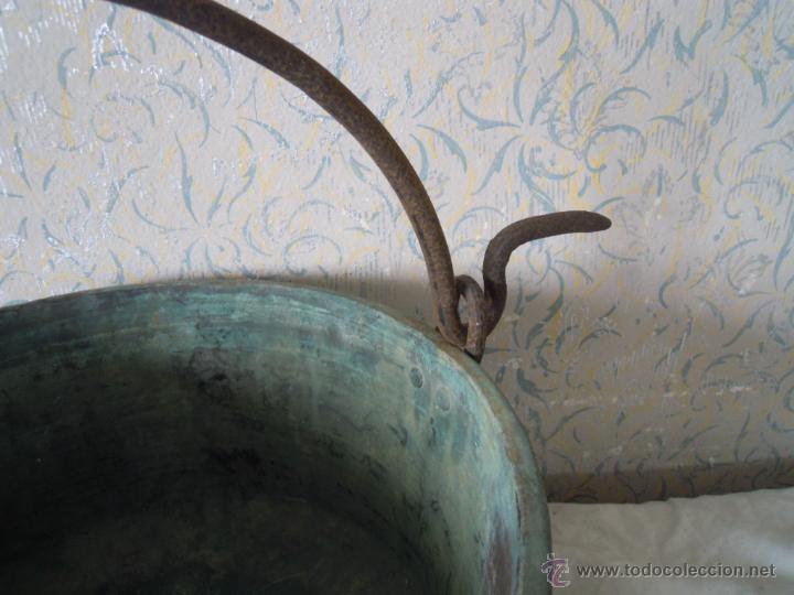 Antigüedades: CALDERO DE COBRE CON ASA DE HIERRO FORJADO - Foto 9 - 52926150