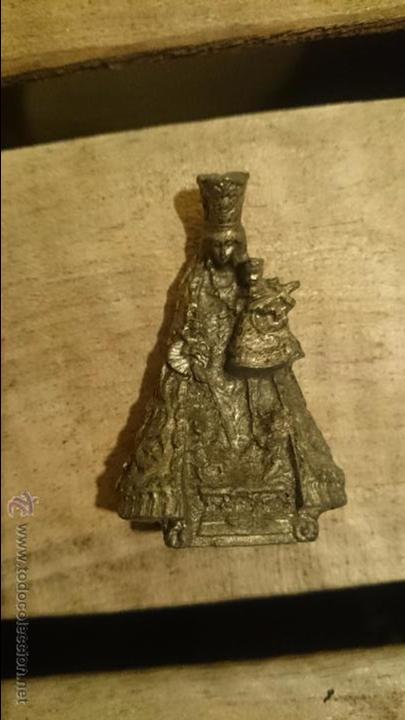 PEQUEÑA VIRGEN DE METAL, 5,5CM DE ALTURA (Antigüedades - Religiosas - Varios)