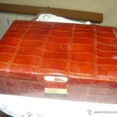 Antigüedades: MAGNIFICO JOYERO DE PIEL. Lote 52972465