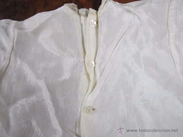 Antigüedades: Antiguo faldón o traje de acristianar, con gorrito. - Foto 6 - 53005365