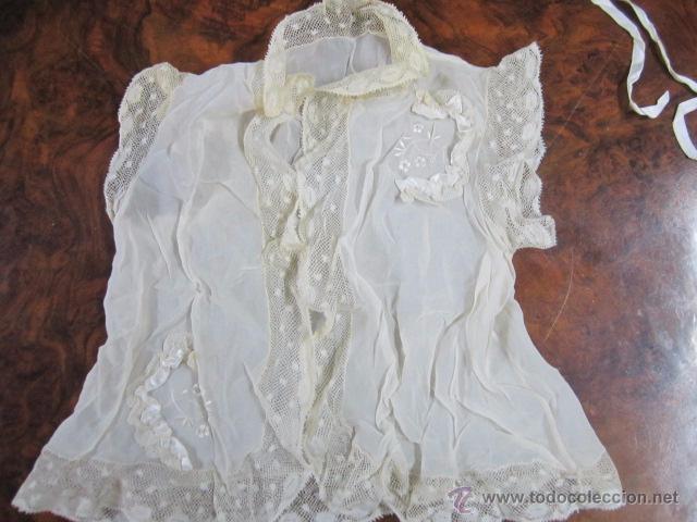 Antigüedades: Antiguo faldón o traje de acristianar, con gorrito. - Foto 7 - 53005365