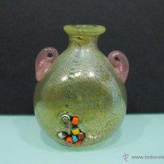 Antigüedades: ANTIGUO JARRÓN DE CRISTAL DE MURANO SOPLADO, JARRONCITO ART DECO, ASAS MORADAS. Lote 53045823