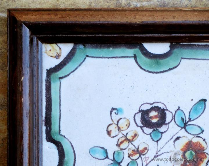 Antigüedades: MUY BONITO AZULEJO ENMARCADO - PINTADO A MANO - VALENCIA - TEMÁTICA FLORAL - COLECCIÓN - Foto 2 - 53069983