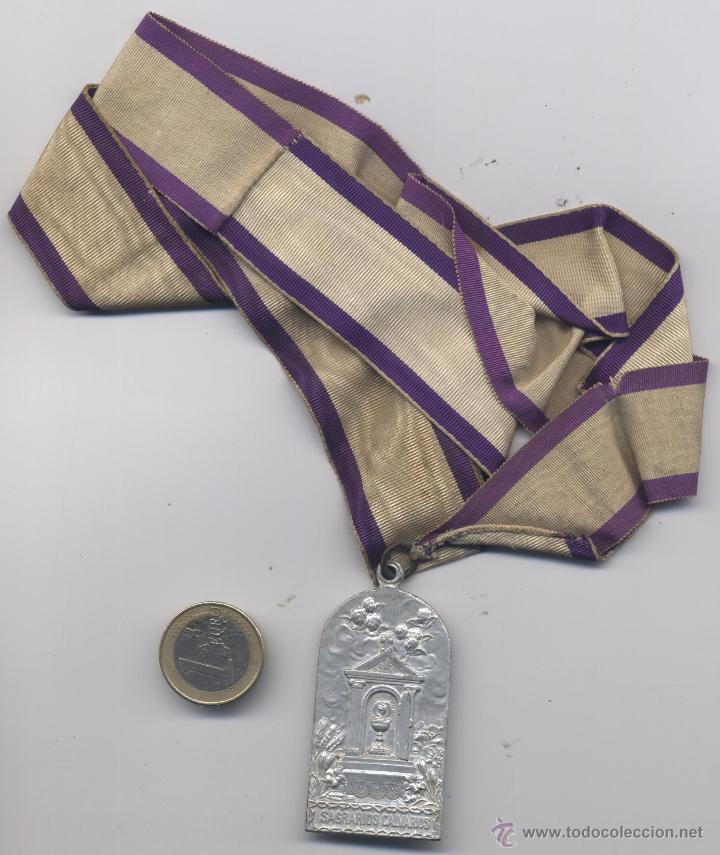 ANTIGUA MEDALLA SAGRARIOS CALVARIOS (Antigüedades - Religiosas - Medallas Antiguas)
