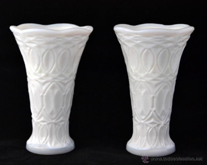 pareja de jarrones de cristal opalino juego de floreros de opalina milk glass