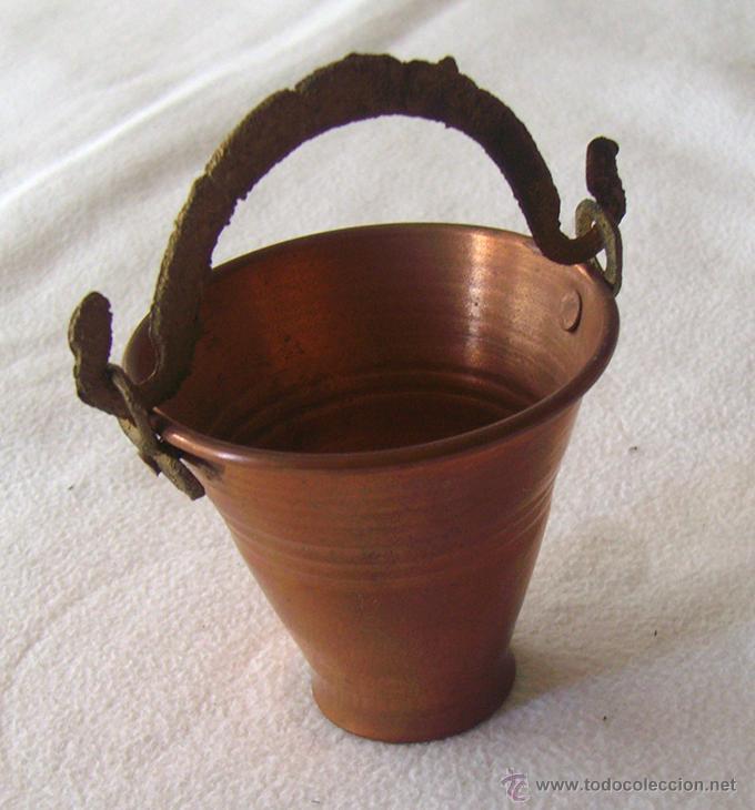 Antigüedades: ANTIGUO Y PEQUEÑO CUBO CON ASA DE COBRE - Foto 2 - 53117272