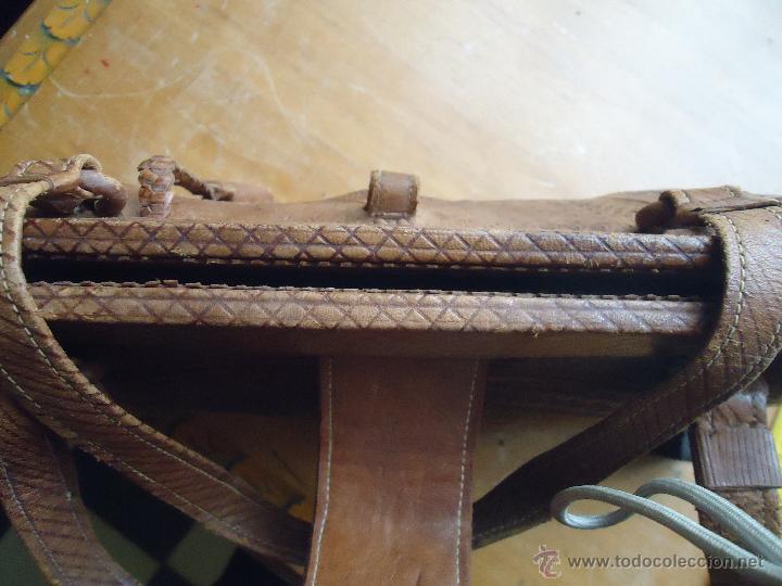 Antigüedades: espectacular bolso labrado señora o caballero cuero repujado trenzado antiguo original ver fotos - Foto 18 - 53119417