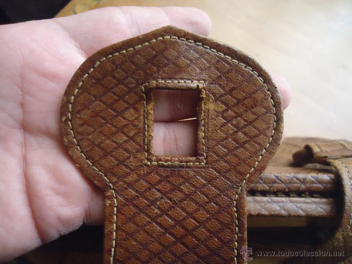 Antigüedades: espectacular bolso labrado señora o caballero cuero repujado trenzado antiguo original ver fotos - Foto 19 - 53119417