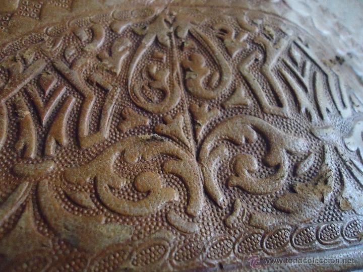 Antigüedades: espectacular bolso labrado señora o caballero cuero repujado trenzado antiguo original ver fotos - Foto 21 - 53119417