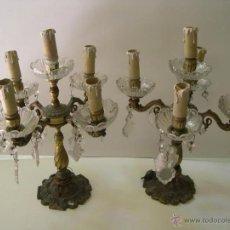 Antigüedades: PAREJA DE CANDELABROS EN BRONCE Y CRISTAL.. Lote 53136628