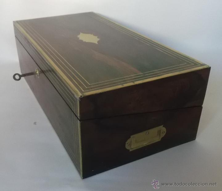 Antigüedades: Escritorio portatil inglés S.XIX de Palorosa y Latón - Foto 13 - 53181850