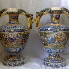 Antigüedades: EXCELENTE PAREJA DE GRANDES JARRONES EN CERÁMICA TALAVERANA DE NIVEIRO S. XIX.. Lote 28227591