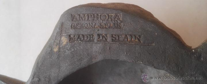 Antigüedades: Cara de ángel, querubín, en cerámica negra catalana, de Gerona, S XX, con sello detrás. - Foto 2 - 53187448