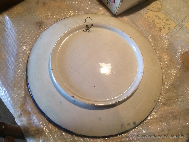 Antigüedades: Antiguo plato de gran tamaño en azul cobalto de Talavera de la Reyna, con león - Foto 5 - 53189584