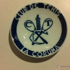 Antigüedades: PLATO CLUB DE TENIS LA CORUÑA. SEMINARIO SARGADELOS LAB. CASTRO. Lote 53220444
