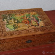 Antigüedades: CAJA DE MADERA CON ESPEJO - JOYERO - COSTURERO - ESCENA GALANTE. Lote 53224589