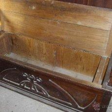 Antigüedades: BANCO MODERNISTA EN MADERA DE CEREZO, PINO Y HAYA. Lote 53244740