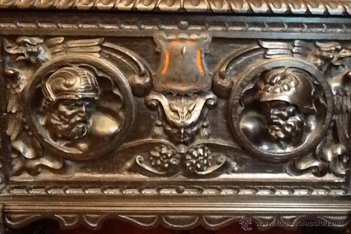 Antigüedades: Bargueño / madera de castaño / tallas / - Foto 6 - 53257765