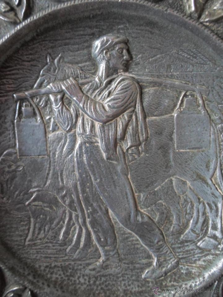 Antigüedades: DOS PLATOS DECORATIVOS DE PARED- ESCENAS MONTAÑESA DE JOSE MARIA PEREDA - AÑOS 40 - Foto 5 - 53278207