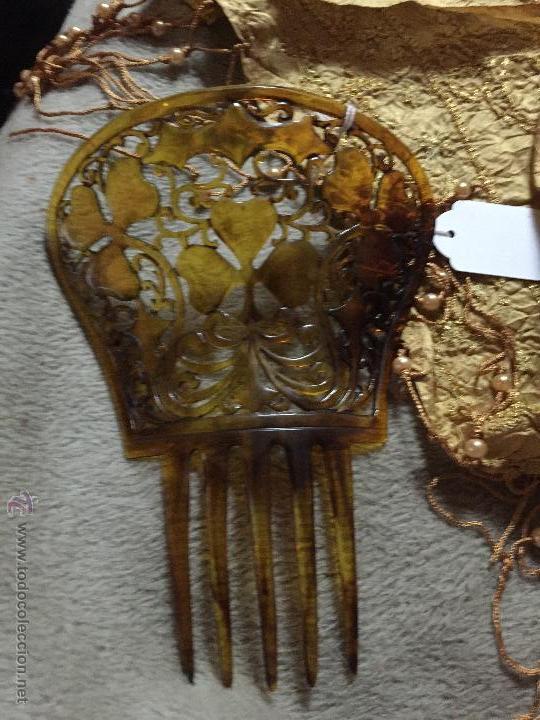 ANTIGUA PEINETA DE PLÁSTICO 10 CM ALTA SIN LAS PÚAS (Antigüedades - Moda - Peinetas Antiguas)
