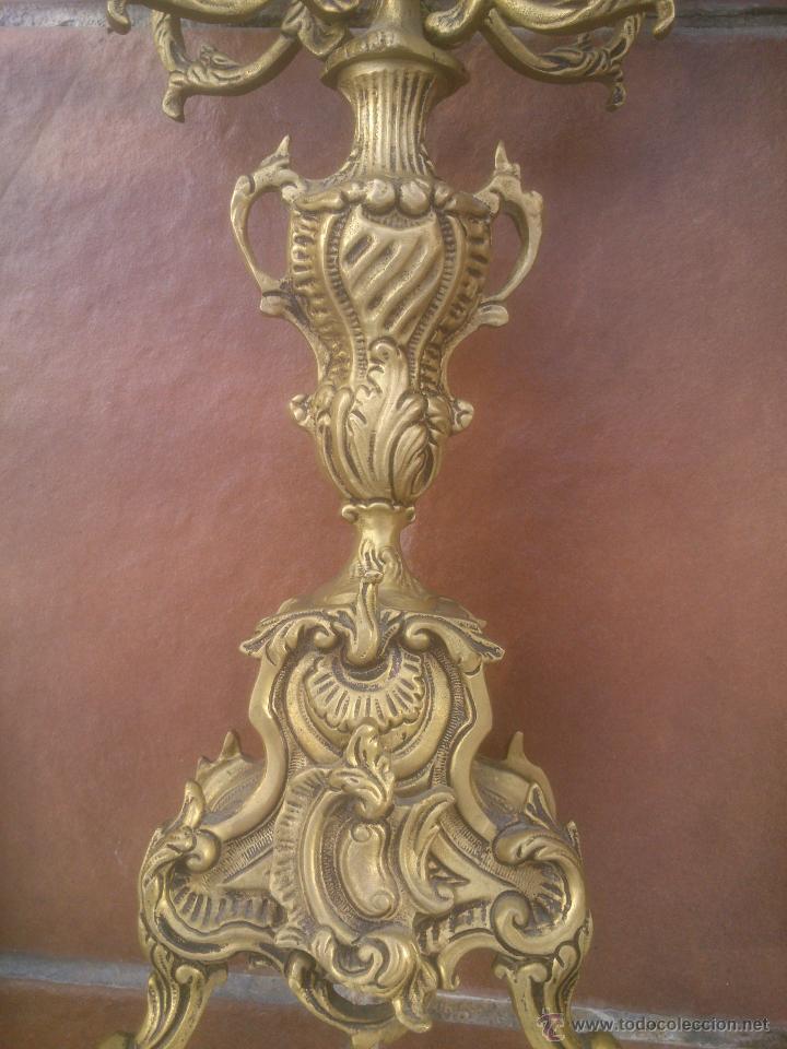 Antigüedades: MARAVILLOSA PAREJA DE CANDELABROS ANTIGUOS BRONCE - Foto 3 - 53291663
