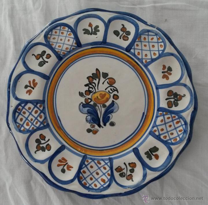 Lote de tres platos de cer mica de talavera de comprar for Platos de ceramica