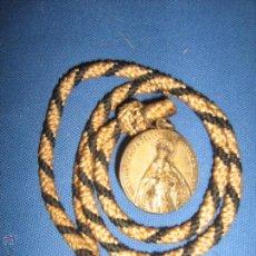 Antigüedades: SEMANA SANTA DE SEVILLA - MEDALLA CON CORDON DE LA HDAD DEL CACHORRO. Lote 53323623