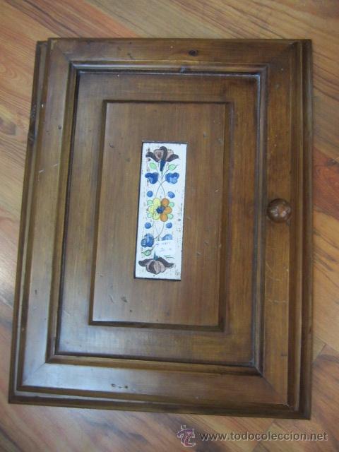 Marco con puerta de madera para cuadro de luces comprar for Marco puerta madera