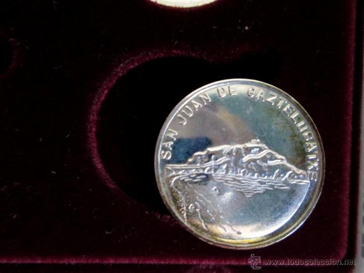 Antigüedades: JOYAS DE BIZKAIA Colección de 9 medallas De 22 mm plata 925/000 - Foto 3 - 53372898