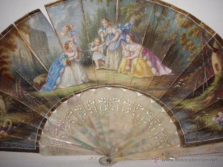 Antigüedades: Antiguo Abanico. S.XIX. Varillaje de Nácar. País pintado y firmado. - Foto 2 - 53374375