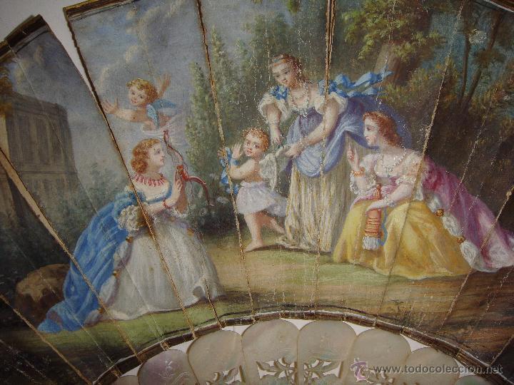 Antigüedades: Antiguo Abanico. S.XIX. Varillaje de Nácar. País pintado y firmado. - Foto 3 - 53374375
