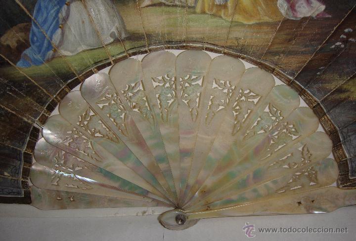 Antigüedades: Antiguo Abanico. S.XIX. Varillaje de Nácar. País pintado y firmado. - Foto 5 - 53374375