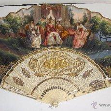 Antigüedades: PRECIOSO ABANICO. S.XIX. VARILLAJE DE HUESO CALADO CON INCRUSTACIONES DE ORO Y PLATA. PAÍS DE PAPEL.. Lote 53375605