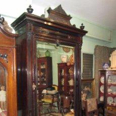 Antigüedades: ESPECTACULAR ARMARIO PALOSANTO Y HAYA XIX. Lote 53435678