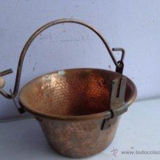 Antigüedades: ANTIGUA E IMPECABLE CALDERA DE GRUESO Y PESADO COBRE, COMPLETA Y PRECIOSA. Lote 53447409