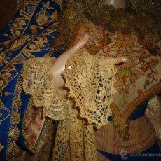 Antigüedades: PRECIOSO MUY ANTIGUO PAÑUELO TAPETE PARA VIRGEN DE VESTIR TAMAÑO NATURAL SEMANA SANTA. Lote 53454578