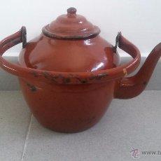 Antigüedades - Muy antigua tetera o cafetera esmaltada, de metal esmalte rojo - 53462135
