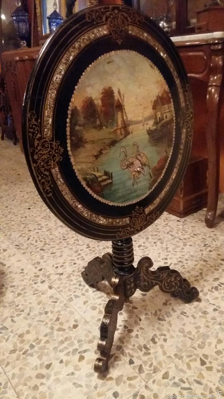 Antigüedades: Mesa velador con nácar y decorada - Foto 2 - 53467017