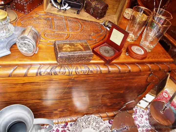 Antigüedades: FANTASTICO BAUL EN MADERA MACIZA CON TALLA EN LA TAPA - Foto 8 - 53564529