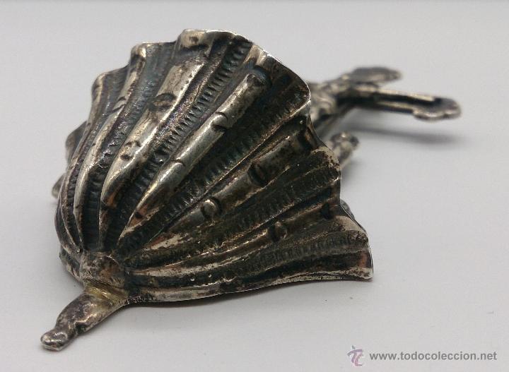 Antigüedades: Benditera antigua en plata de ley contrastada y bellamente repujada . - Foto 6 - 53577399