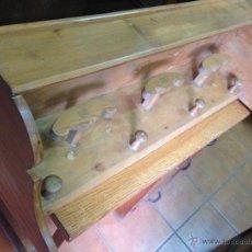 Antigüedades: PERCHERO PARED RÚSTICO. Lote 53612844