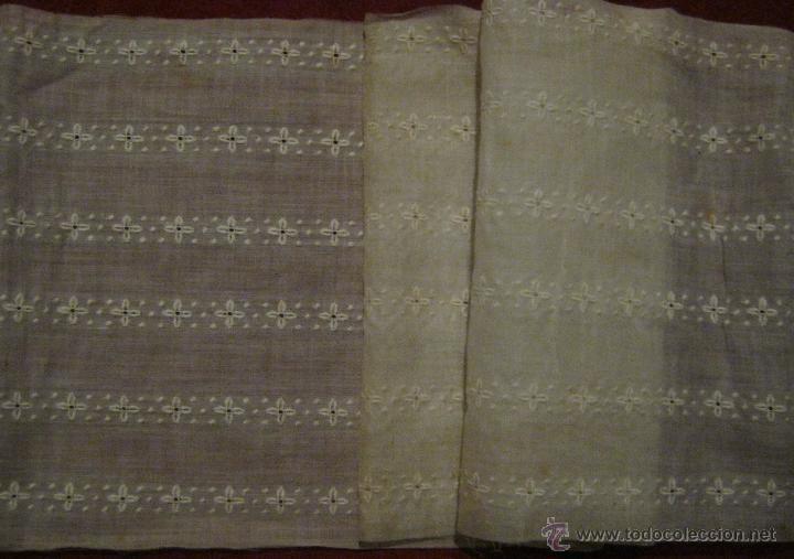 ANTIGUA BANDA ANCHA DE ORGANZA BORDADA PPIO.S.XX (Antigüedades - Moda - Bordados)
