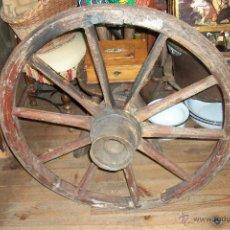 Antigüedades: ANTIGUA RUEDA DE CARRO. Lote 53632092