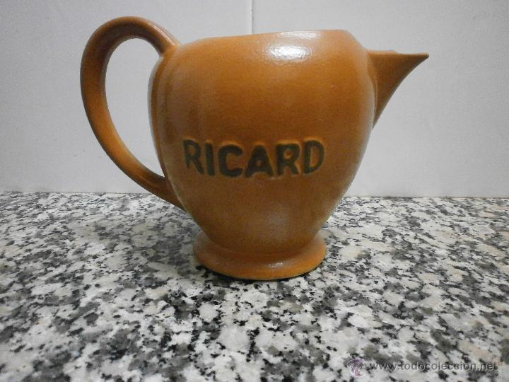 JARRA RICARD DE POCELANA EN LA BASE SELLO Y NUMERADA (Antigüedades - Porcelana y Cerámica - Francesa - Limoges)