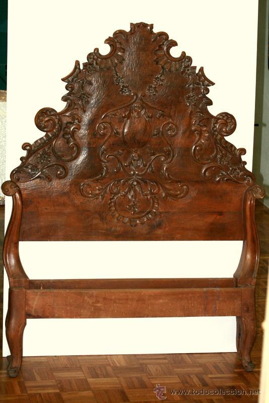 CAMA EN MADERA DE NOGAL SIGLO XVIII Y POSTERIOR (Antigüedades - Muebles Antiguos - Camas Antiguas)