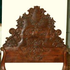 Antiquités: CAMA EN MADERA DE NOGAL SIGLO XVIII Y POSTERIOR. Lote 81841115