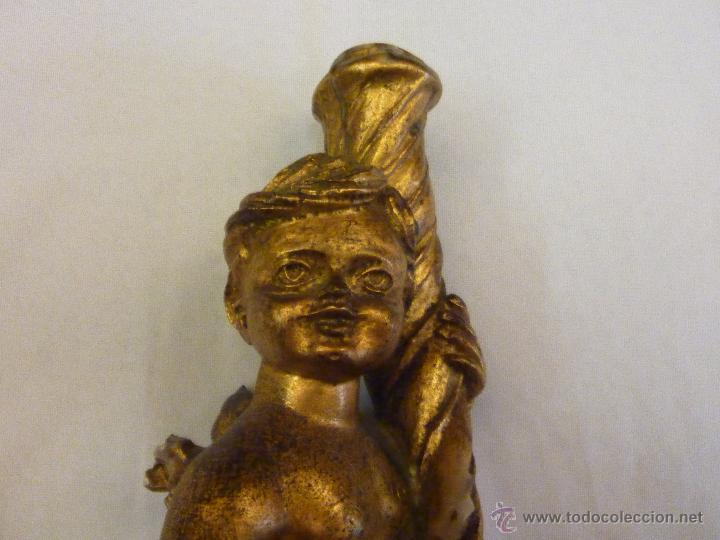 ANGELOTE/ PORTA VELAS DE MADERA. 37 CMS. (Antigüedades - Religiosas - Artículos Religiosos para Liturgias Antiguas)