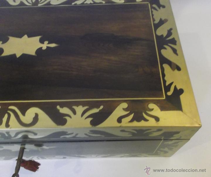 Antigüedades: Escritorio inglés S.XIX de Palorosa y latón - Foto 9 - 53690832
