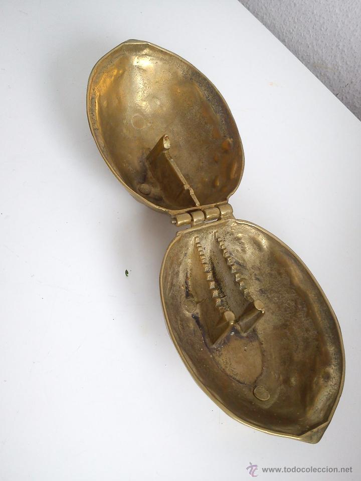 Antigüedades: MAGNIFICO PARTE NOZES RARO DE ENCONTRAR HECHO DE HIERRO METALISADO DORADO - Foto 4 - 60888349